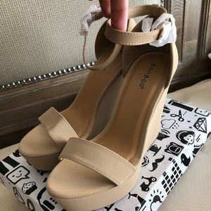 Bamboo nude wedge size 8.5 never worn